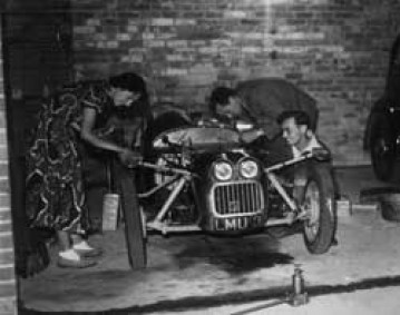 Колин и Хазел создают автомобиль